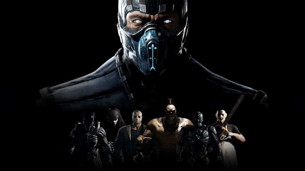 Le visage en gros plan du personnage de Mortal Kombat Sub-Zero surplombant d'autres caombattants, plus petits