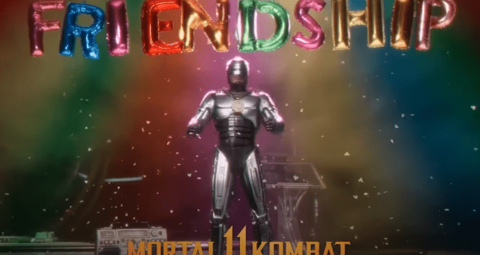 Le personnage de Mortal Kombat 11: Aftermath Robobop avec le mot « friendship » écrit dessus de lui